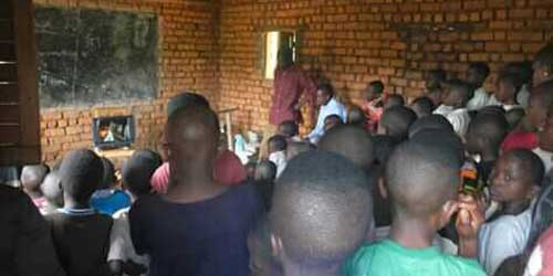 Rural DRC: Learning Hygiene with DVDs – and practice